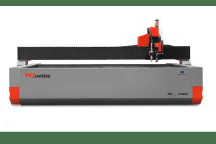 Máquina de corte por agua versátil