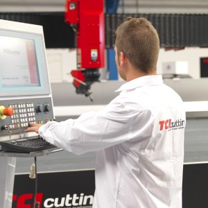 monitor maquina corte laser, agua y plasma