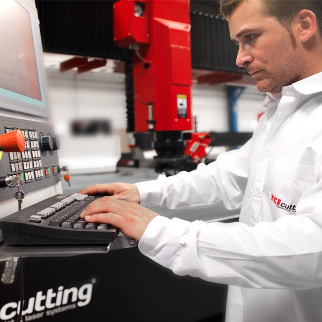 Atencion al cliente waterjet, laser y plasma de TCI Cutting