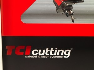 Machine de découpe jet d'eau waterjet SM-S de TCI Cutting