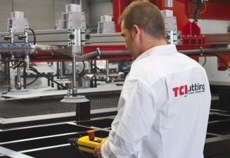Sistema autónomo de carga y descarga en nuestras máquinas de corte láser