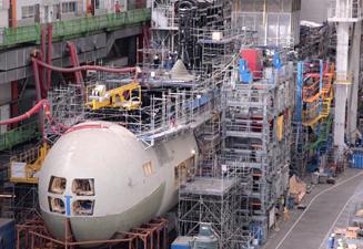 Las máquinas corte chorro de agua TCI Cutting, piezas clave en el proceso de fabricación de DCNS